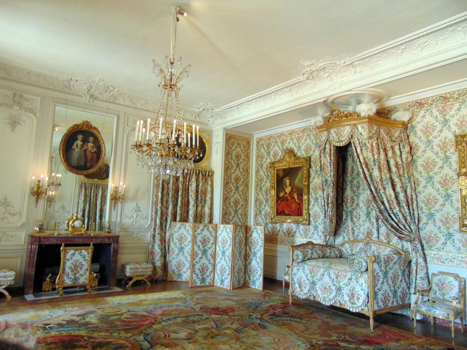Экскурсия в Версаль, камин мадам Виктуар