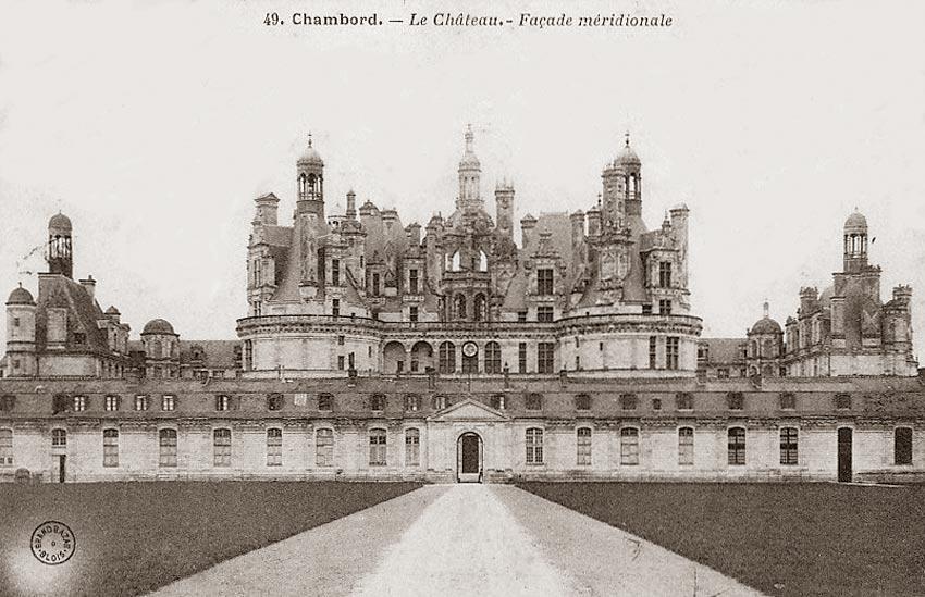 Королевский замок Шамбор на фото