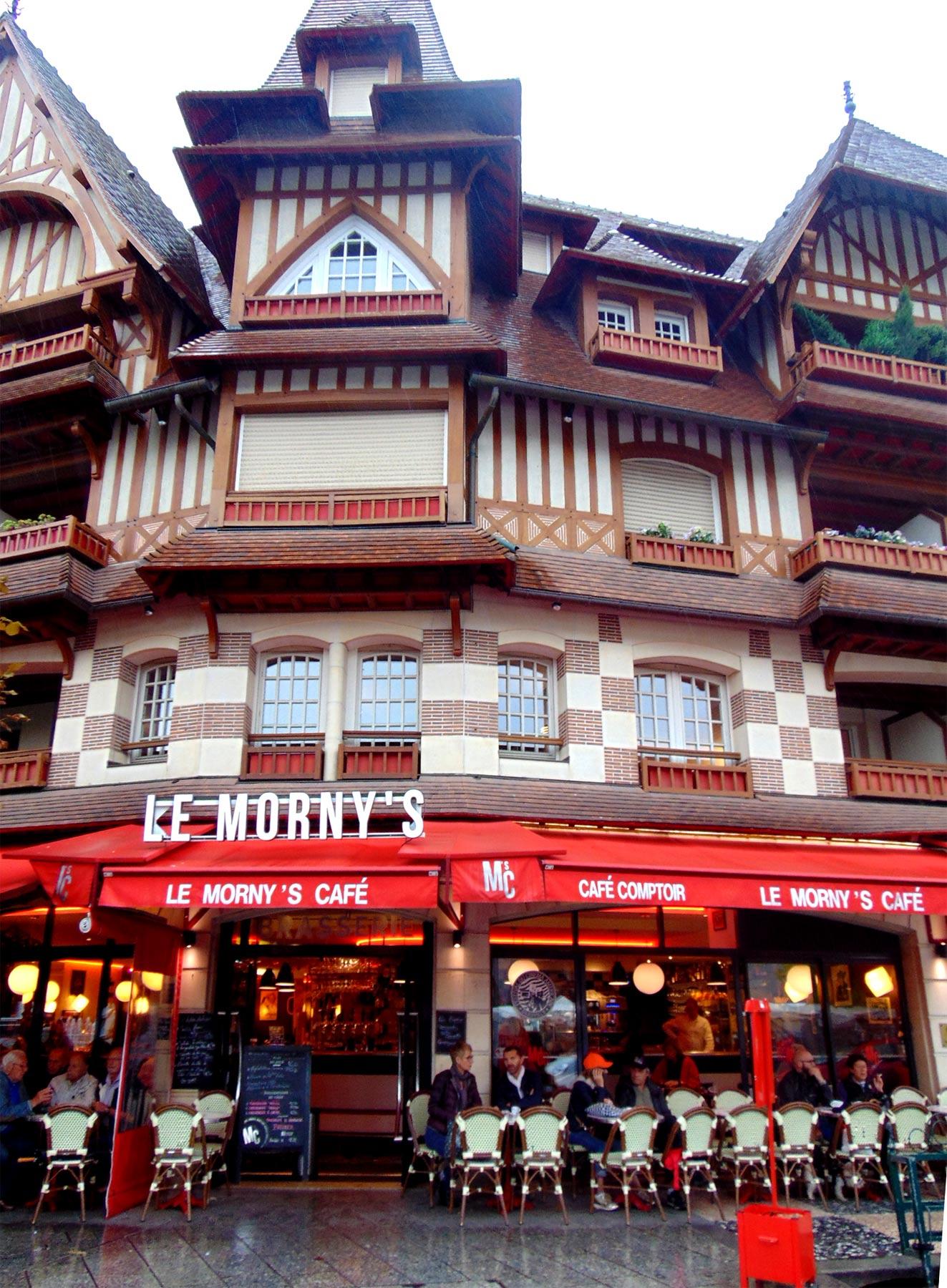 кафе и рестораны Нормандии в Довиле