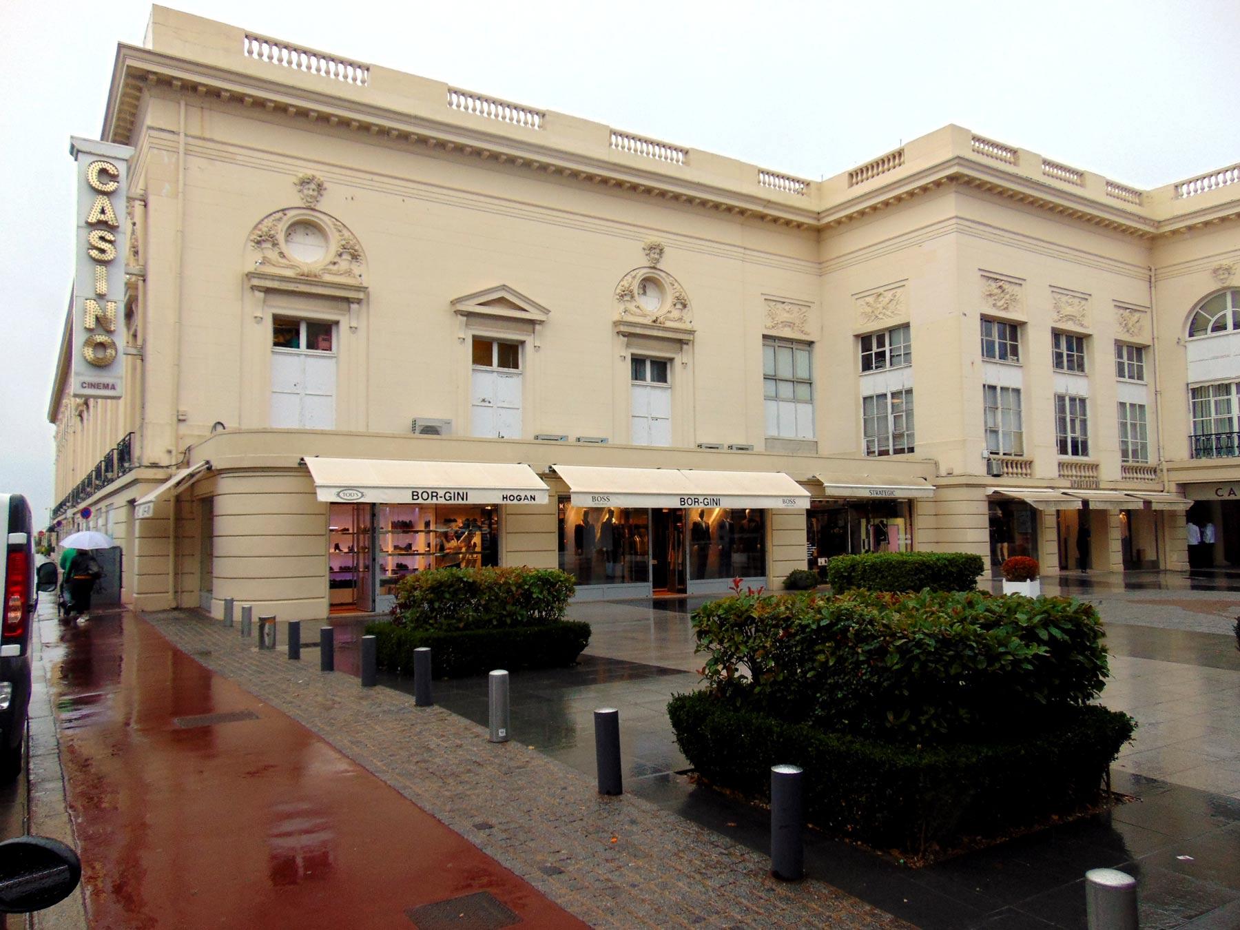 экскурсия вокруг казино в Довиле