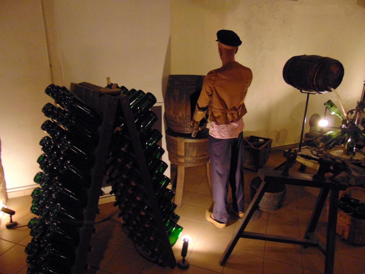 экскурсия по музею шампанского, розлив