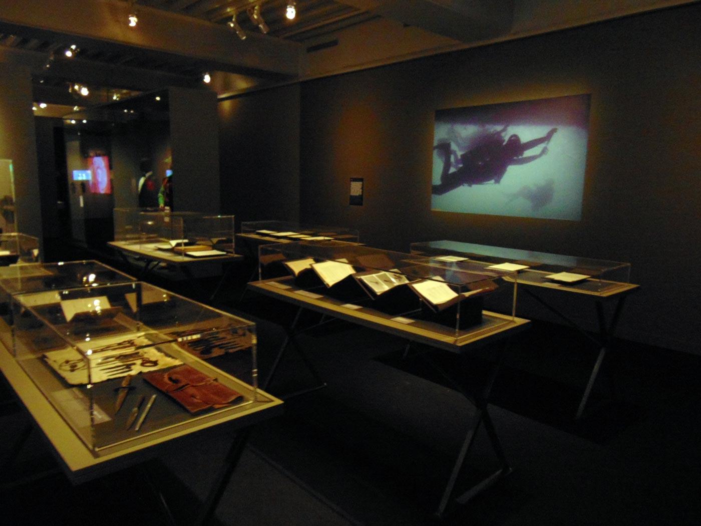 шпионская техника на выставке в музее