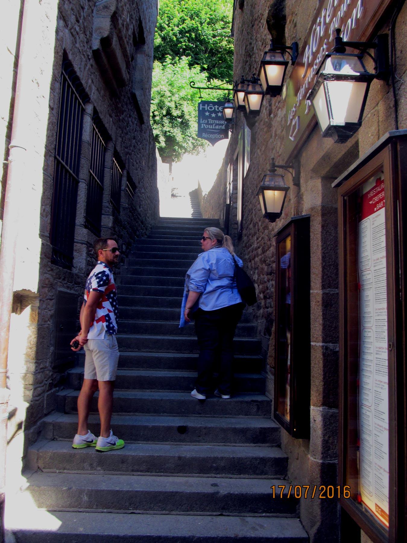 экскурсия по улочкам Мон Сен Мишель