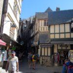 экскурсия по узким улочкам Мон Сен Мишель