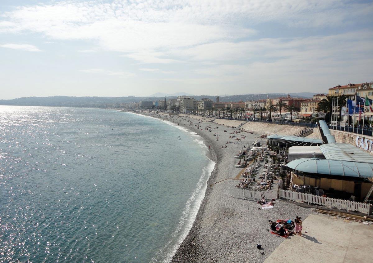 пустынные пляжи Ниццы