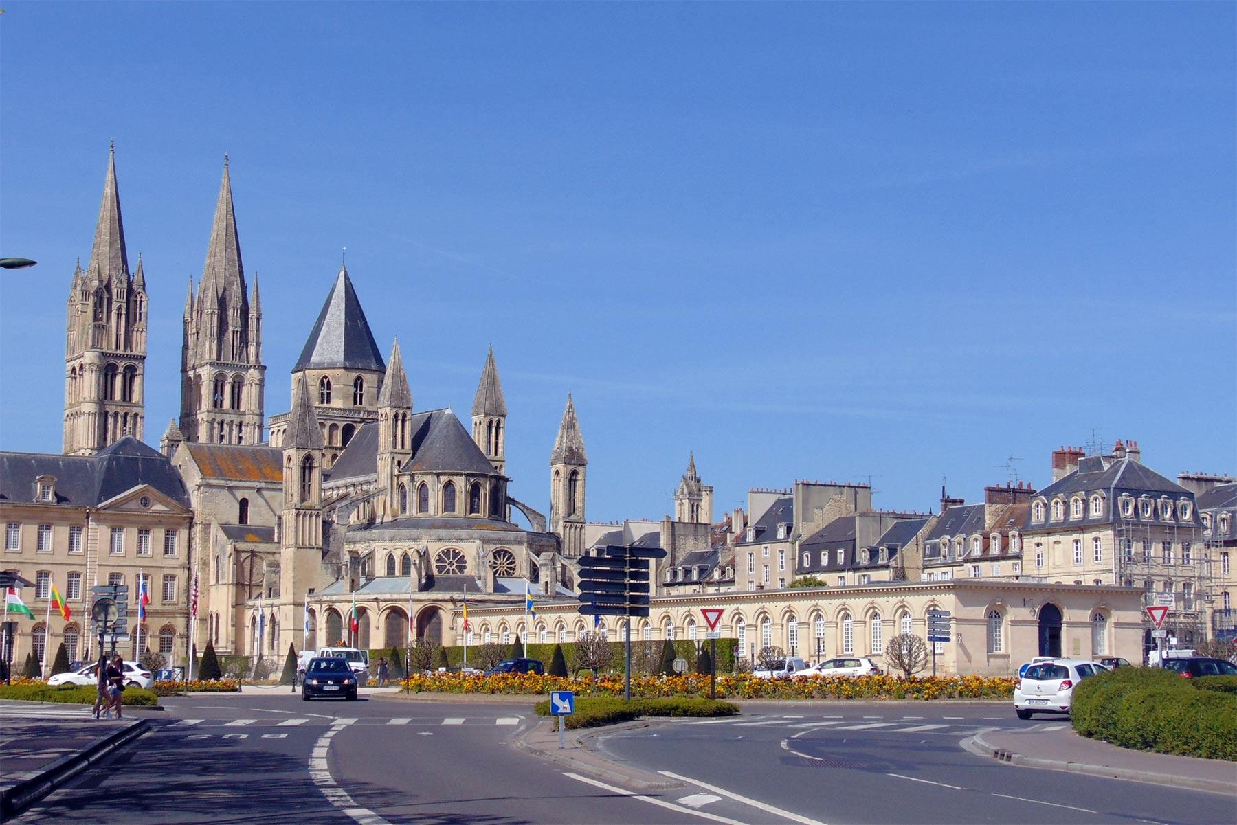 Экскурсия из Парижа в Кан фото