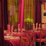 внутри ресторана Петроград в Париже, русская кухня