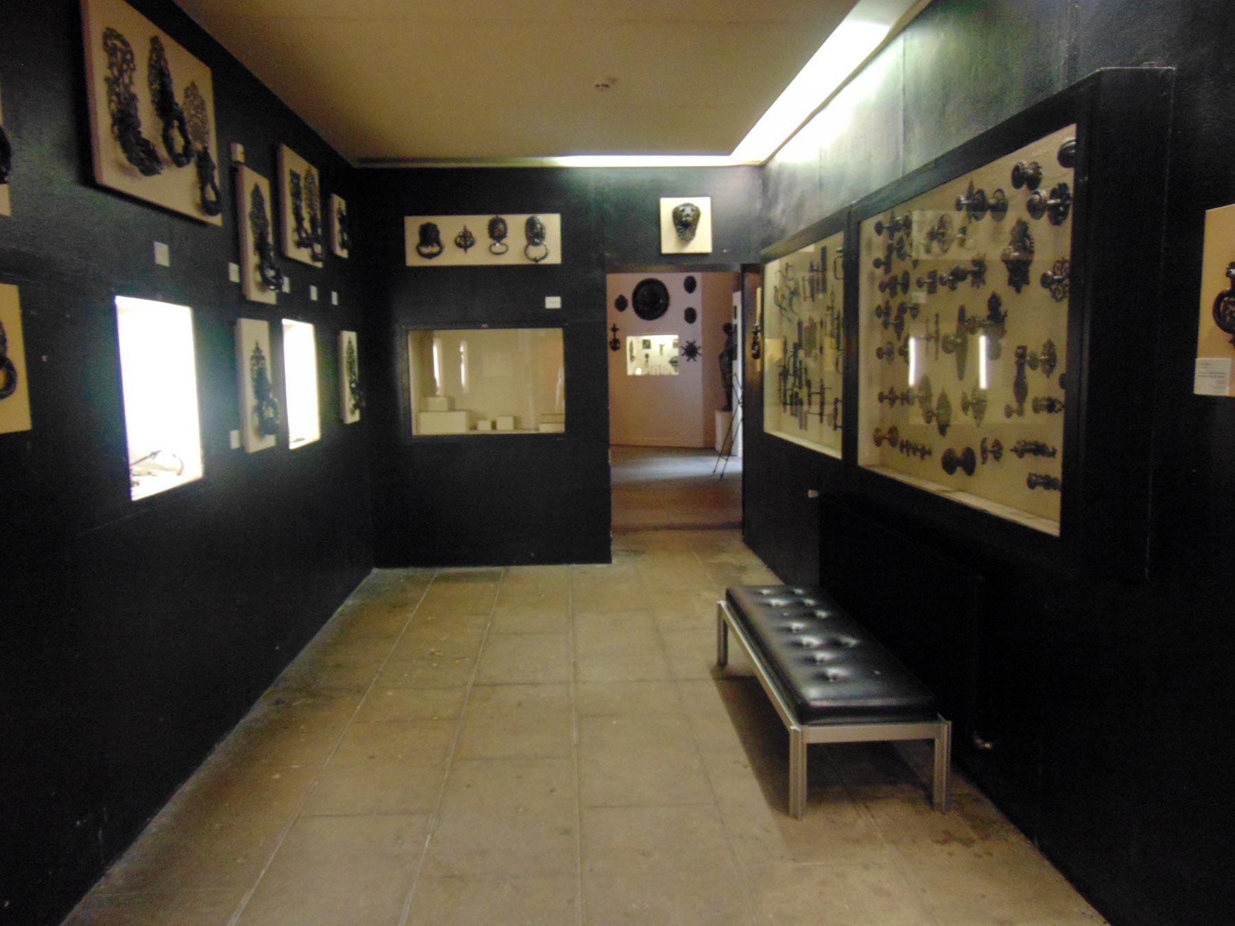 зал музея изящных изделий в Руане
