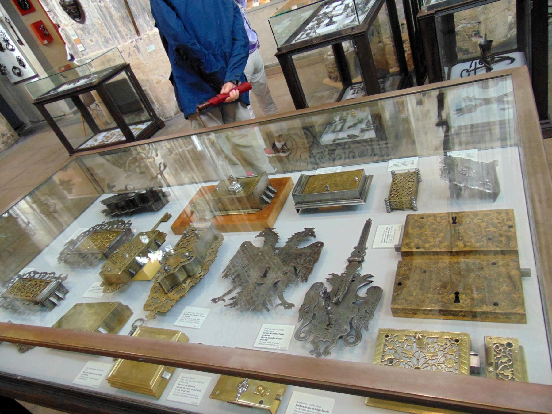 коллекция художественных замков музея в Руане