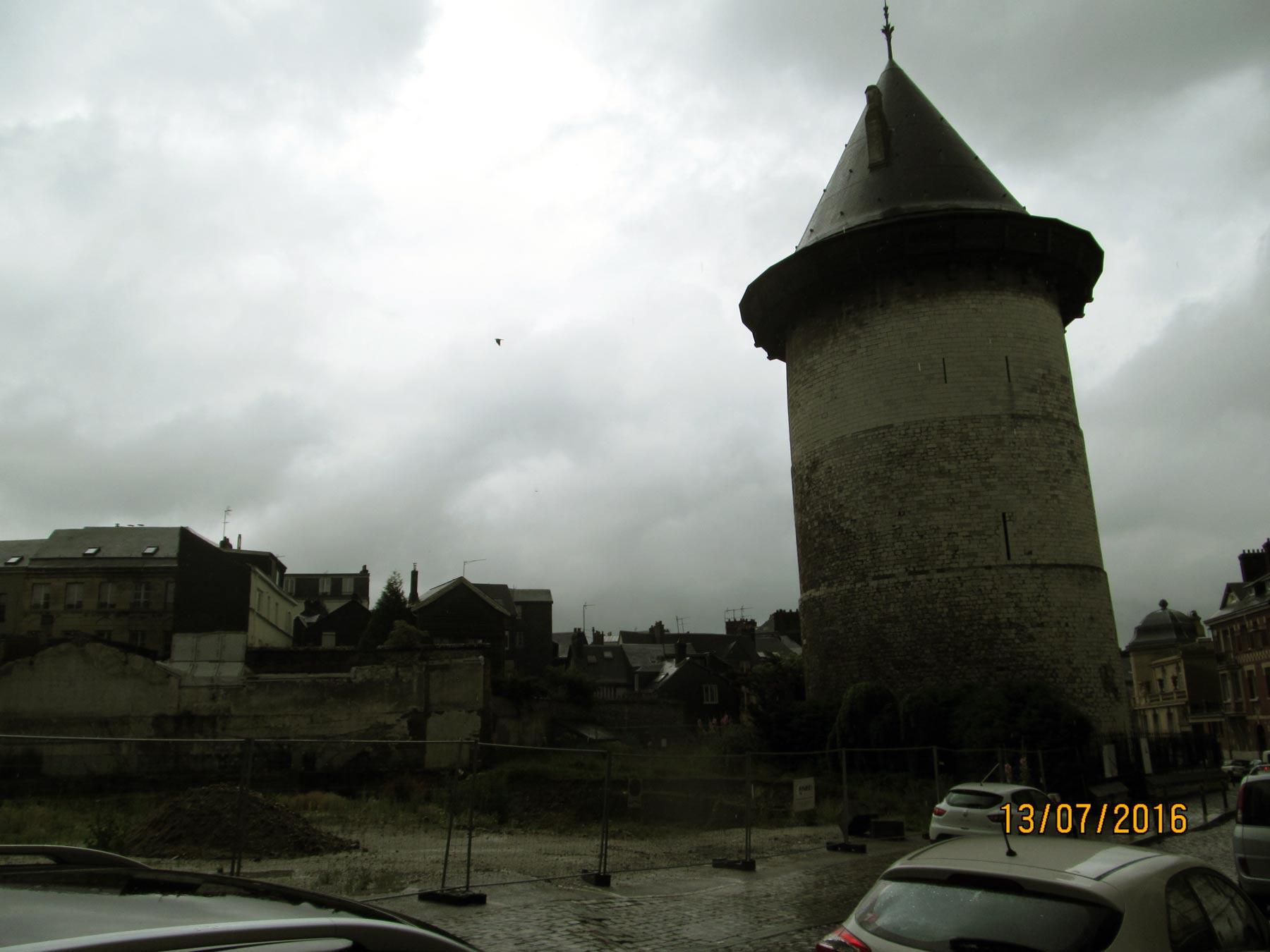 экскурсия в Нормандию. Путешествие по Руану. Башня