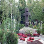 экскурсия по мемориалам казакам на Сент-Женевьев-де-Буа в 1998 году