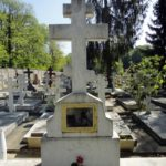 Памятник кадетам на кладбище Сент-Женевьев-де-Буа
