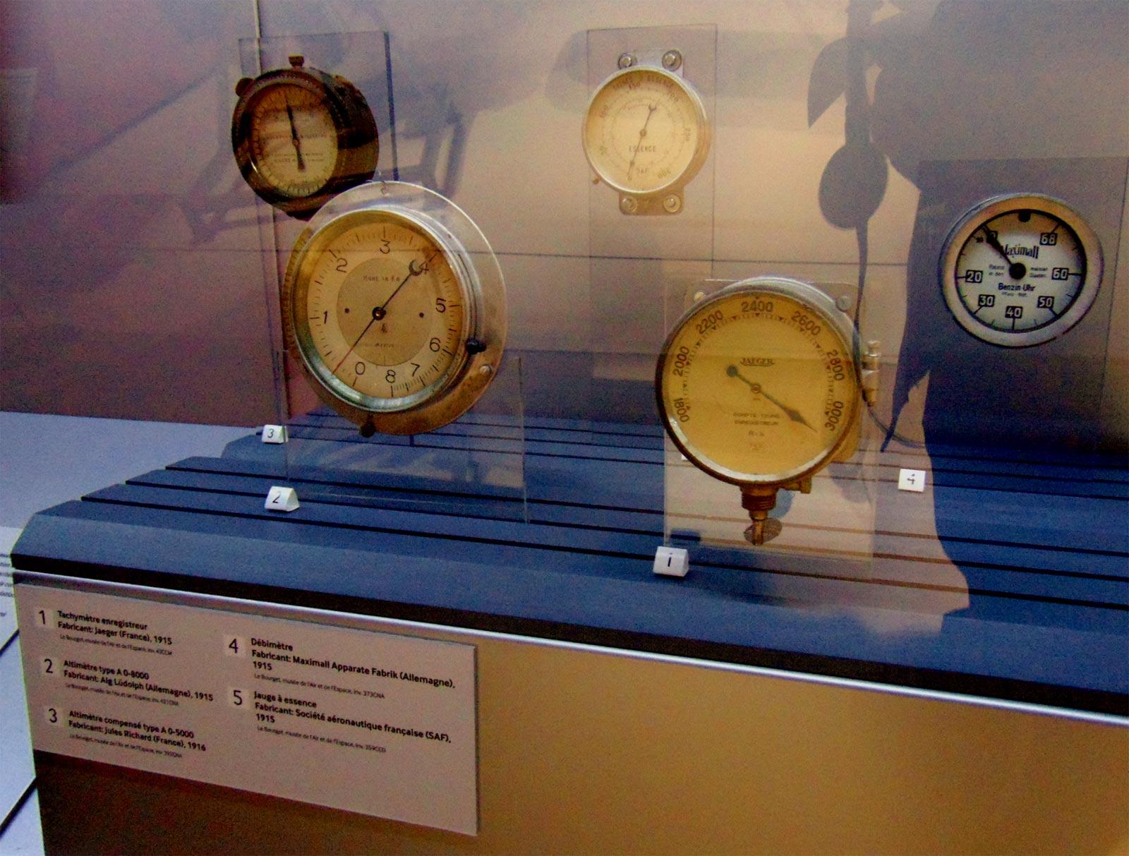 выставка авиаоборудования в музее авиации и космонавтики