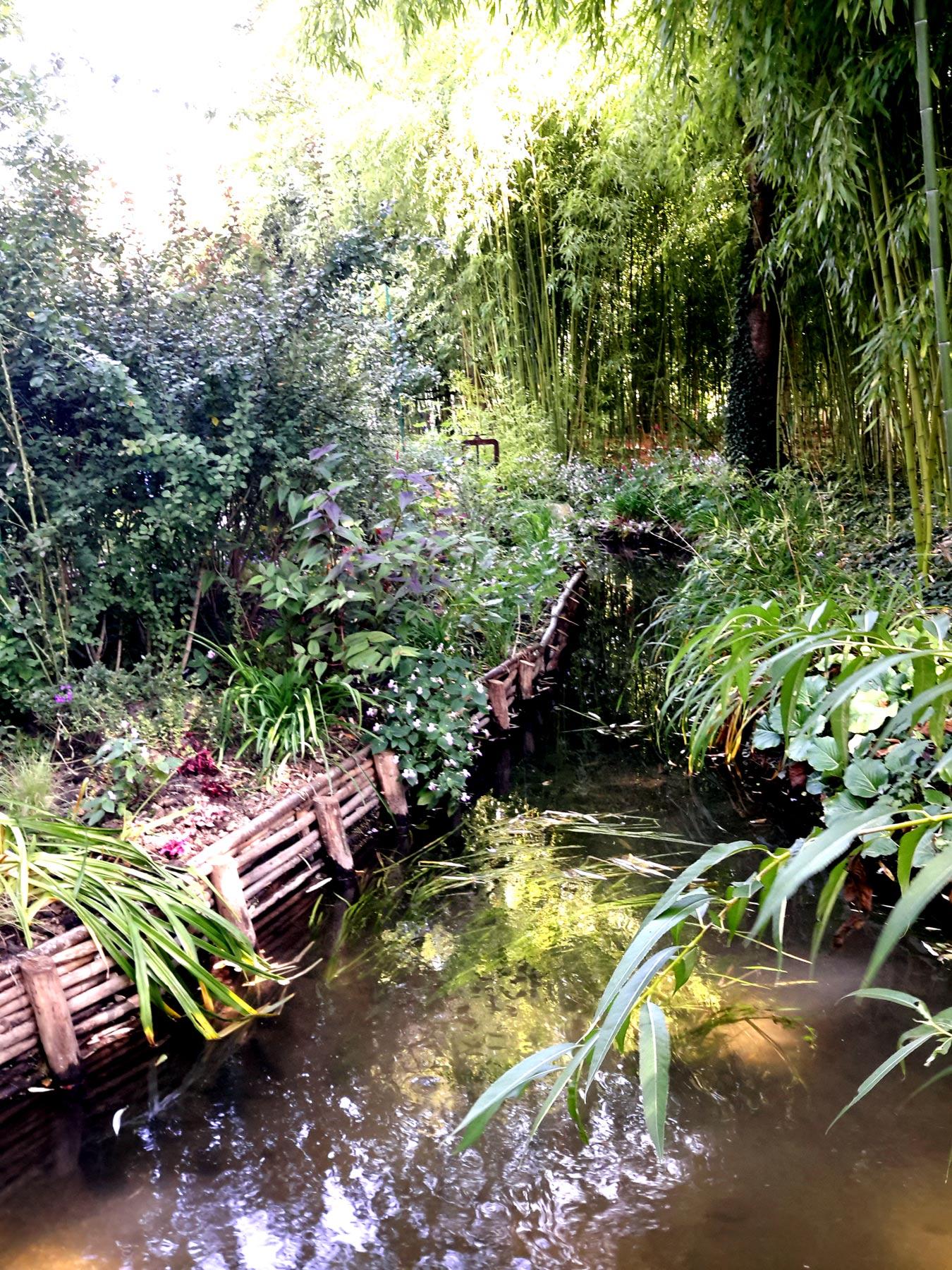 каналы сада Клода Моне