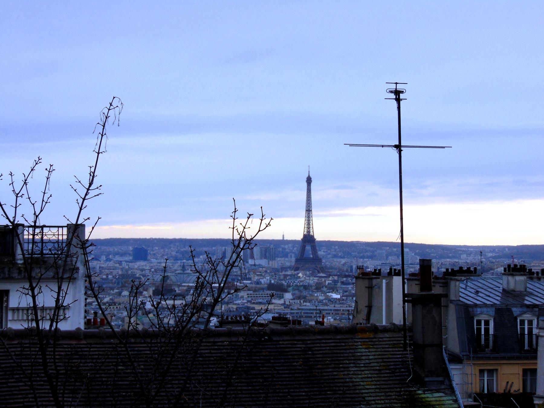 Эйфелева башня с Монмартра